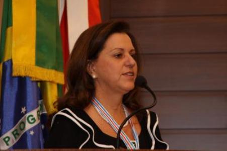 Câmara Municipal de Florianópolis Homenageia Voluntariado com a Medalha Joana de Gusmão